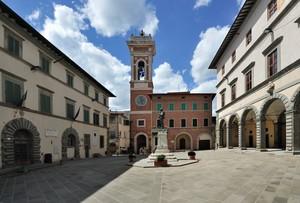 inquadrando in Piazza Cavour