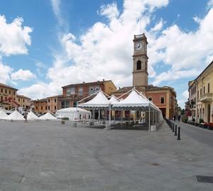 Finita la festa in piazza Garibaldi