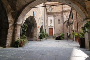 Piazza San Giovanni a Montalto Ligure