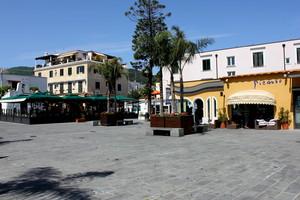 Ischia piazza san Girolamo