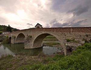 Ponte romanico sul fiume Bormida