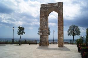 Piazzetta vista mare