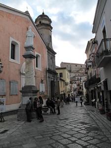 Megalomania. Piazza San Pietro…