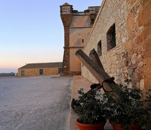 Sotto la torre di Bonagia