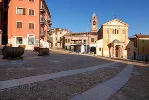 In Piazza S. Giacomo con le botti