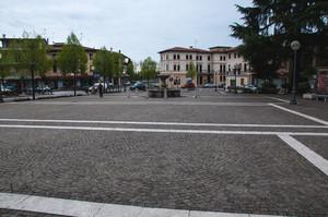 altra vista della piazza