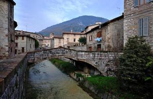 Un ponte sul Carmignano