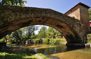 acqua gelida sotto il ponte