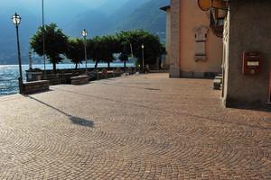 Una piazza col…porto
