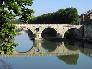 Roma – Riflessi tra il verde (Ponte Sisto)