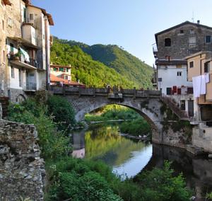 Ponte medievale sul Nervia