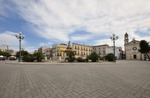 una grande Piazza a Mola