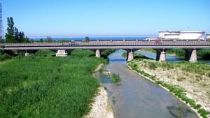 ponti sulla foce del fiume Esino