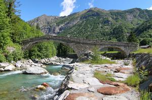 Gaby, ponte sul Lys