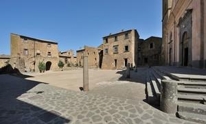 riposando in Piazza San Donato