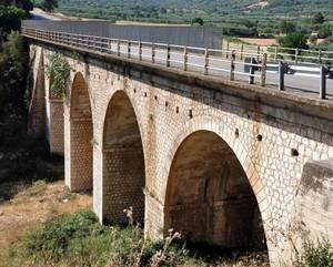 Ponte della SP 43 all'ingresso di Cagnano Varano