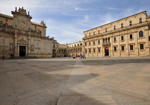 ultimo scatto prima dell'arrivo dei turisti in piazza Duomo