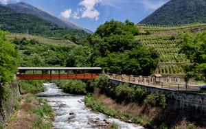 Chiuro: ponticello sul torrente Valfontana