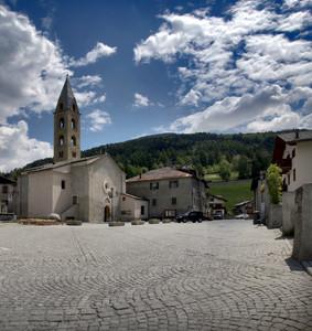 Piazza del Santuario a Bormio
