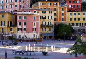 la piazza multicolore…