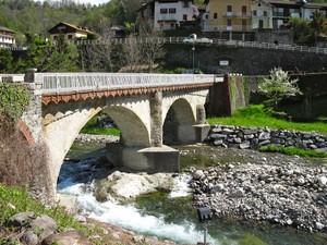 Ponte sullo Strona a Postua