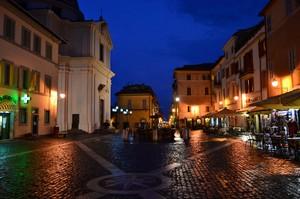 Piazza della Libertà e Palazzo Papale