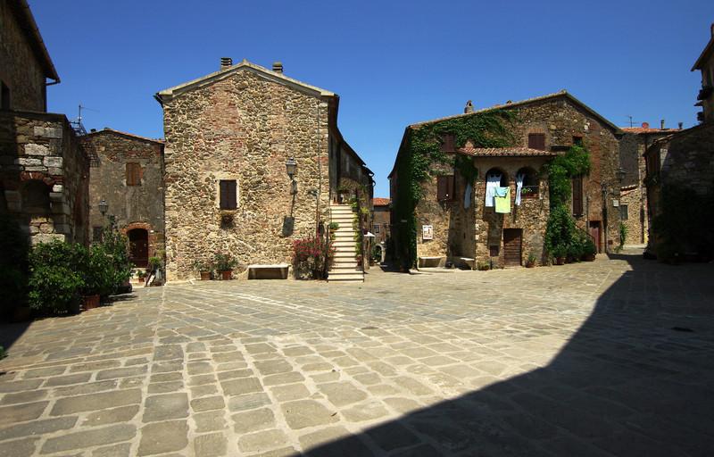 ''Piazza del Castello'' - Manciano
