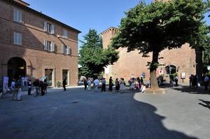 attesa in Piazza Matteotti