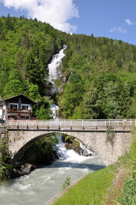 ''Ponte con cascata'' - La Salle