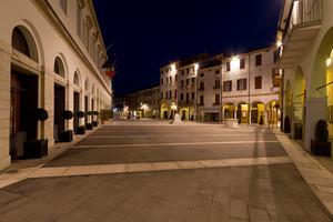 Alba in Piazza Matteotti