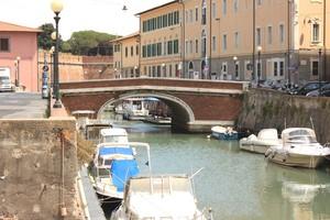 Uno dei ponti sui canali di livorno