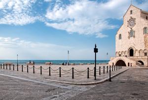 La piazza della Fata dell'Adriatico
