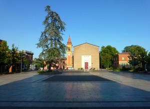 Dall'ingresso del Municipio