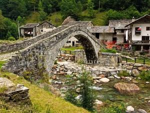 il ponte delle fiabe…..