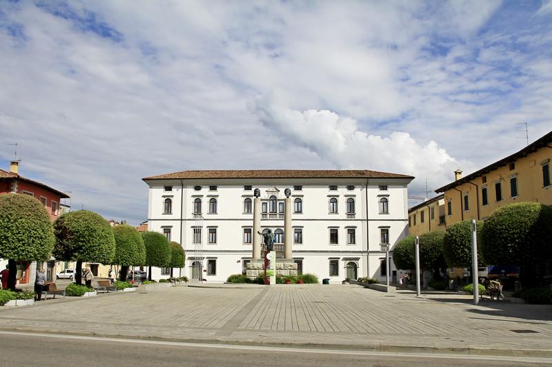 Cividale del friuli piazza foro giulio cesare for Piazza del friuli