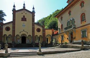 Piazza San Pietro a Rosazza
