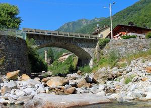 Ponte sul torrente Pragnetta a Rosazza