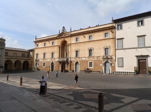 L'altro lato di piazza del Duomo