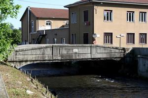 Un tipico ponte sull'Olona