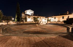 Solomeo – Piazza della Pace 3
