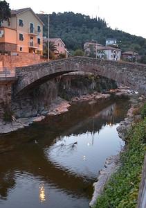 Il vecchio ponte a Riva trigoso