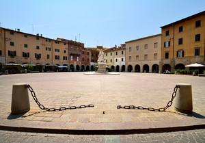 Piazza Dante!