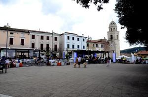 La piazza di Sirolo