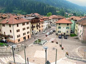 Piazza di Carisolo