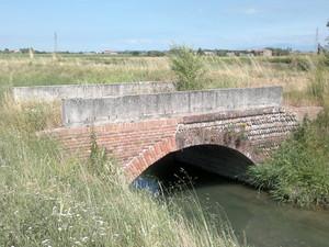 Ponte 1 sul canale raccoglitore