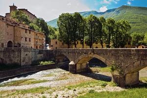 Ponte per Palazzo Brancealeoni