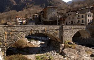 Un ponte sul Masino a Cataeggio