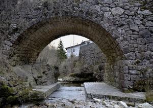Un vero ponte di pietre