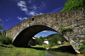 Antico ponte sul torrente di Camposonaldo