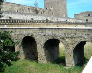 entriamo al Castello Svevo